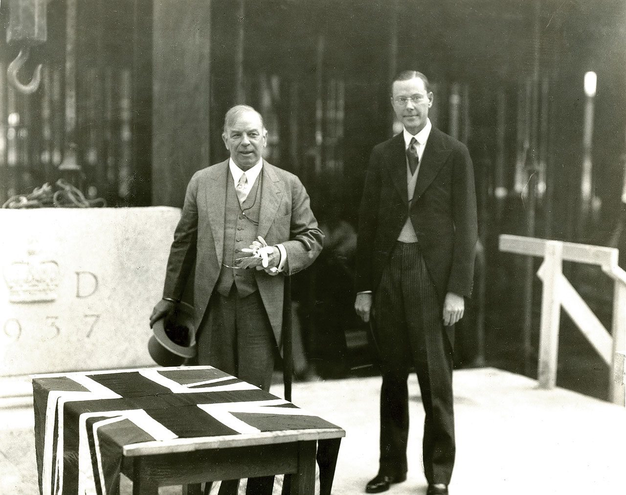 Prime Minister William Lyon Mackenzie King and the Bank's first Governor, Graham Towers - 10 August 1937